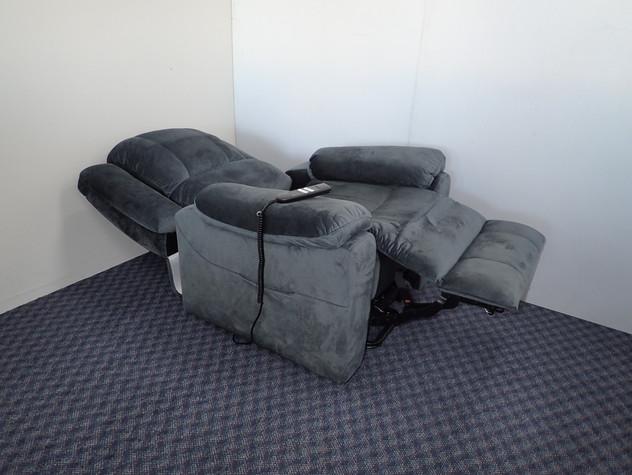 Sunderland 2 Motor Lift Chair Open.jpg