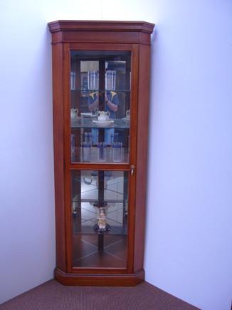 Regency Crn Crystal Cabinet
