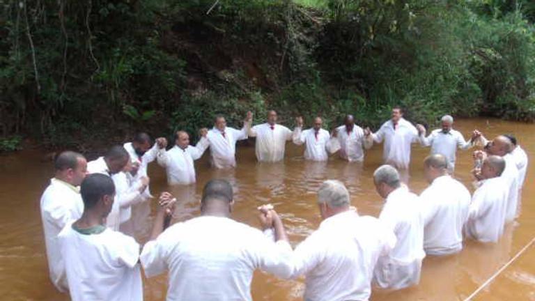 Batismo em águas correntes