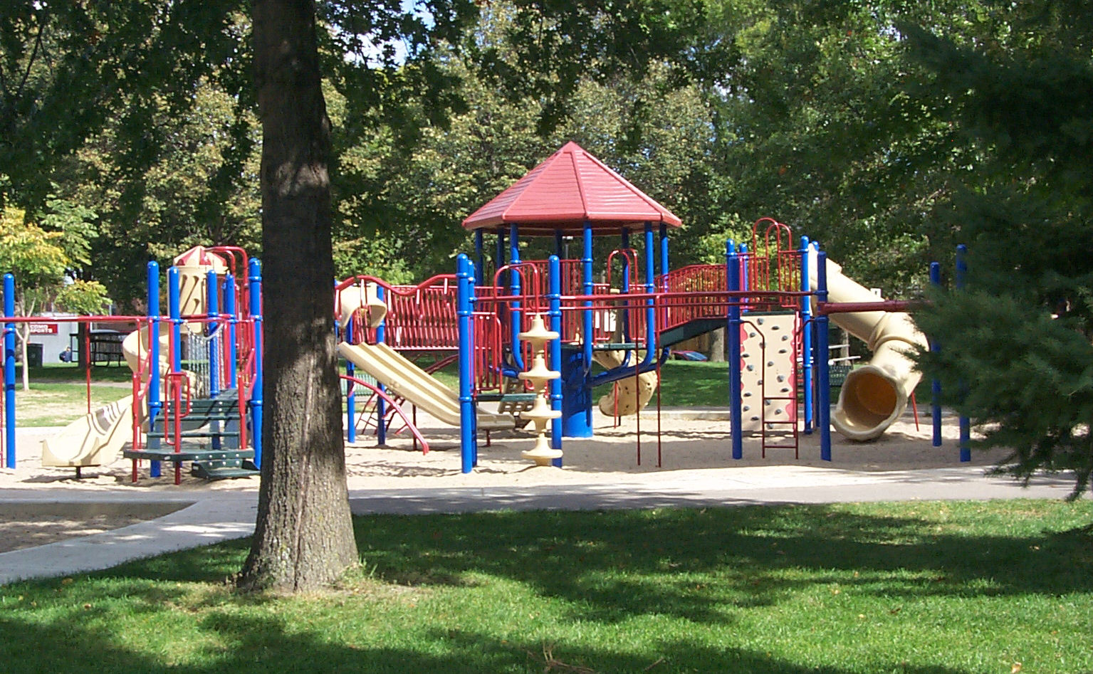 VanCleve Neighborhood Park (Minneapolis).jpg