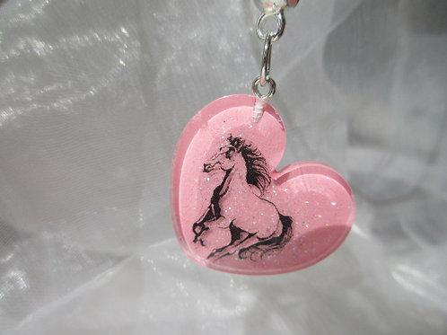 Hals Kette aus Har. Herz mit Pferd