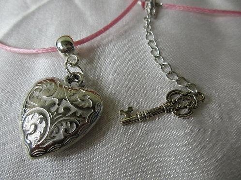 Hals Kette Herz mit Schlüssel