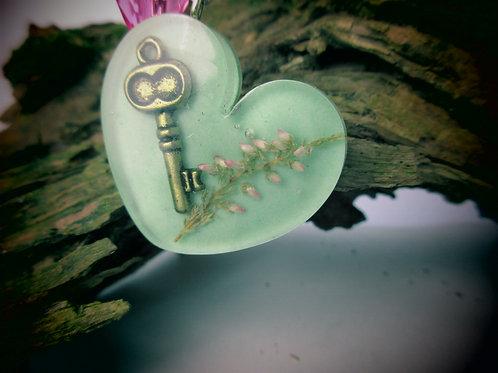 Schlüsselanhänger mit Heide, Herz