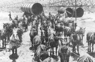Workers building the LA Aqueduct or Owens Valley Aqueduct