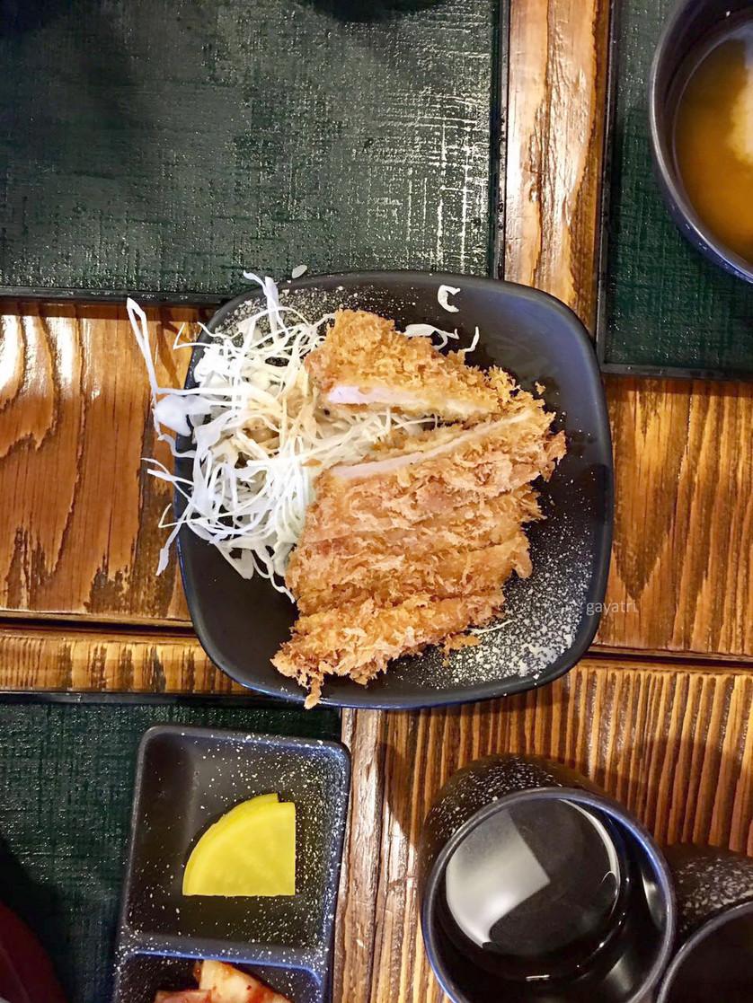 Pork belly Lardon strips, batter-fried and served as a starter