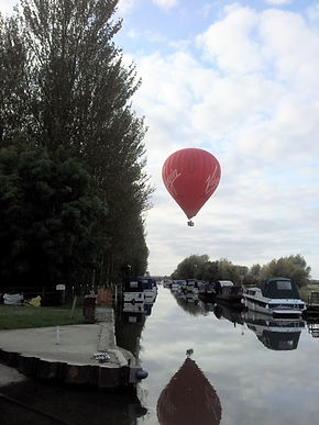 Air Balloon Elton Boat Club River Nene