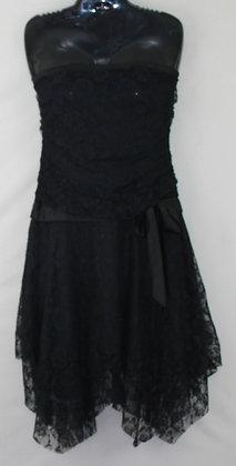 13. Adorable Black Strapless Lace Dress