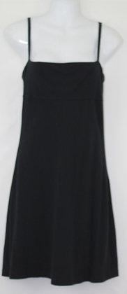 10.Simple Lil Black Velvet Dress