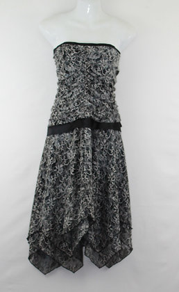 56. Cute Black & White Strapless Dress