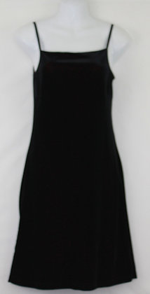 7. Sexy Lil Black Velvet w/ Red Cocktail Dress
