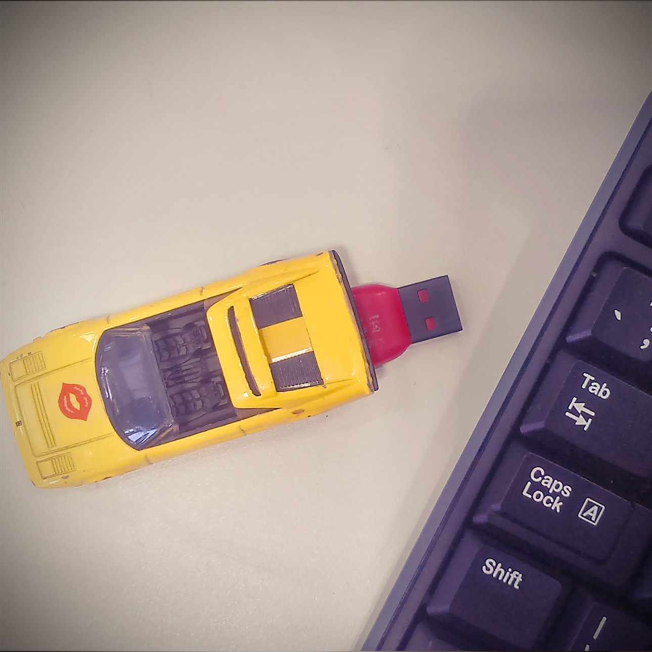 Toy car flash drive
