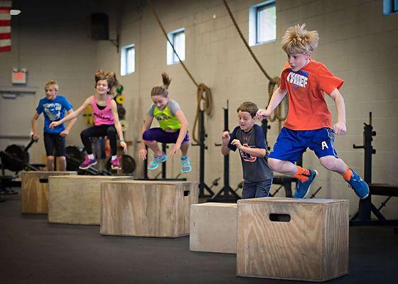 Chez CrossFit Genum il y a CrossFit Kids qui sont des séances de crossfit pour les enfants et adoles