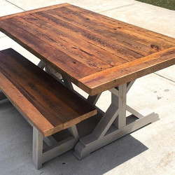 This is a Barnwood topped X table.jpg I pull the Barnwood out of a mule barn in Hartwell, ga