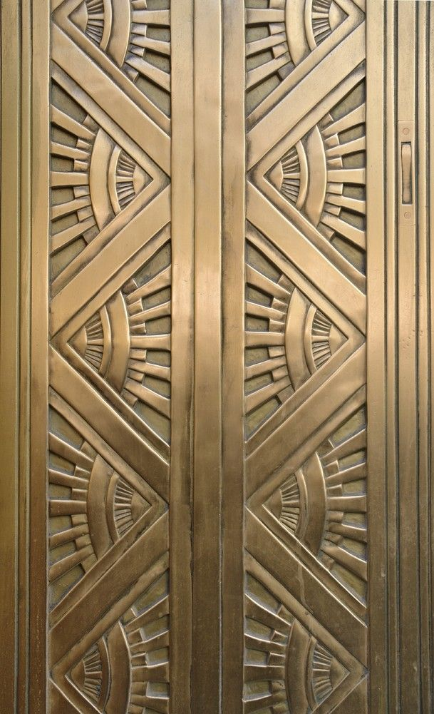 Art Deco, metal doors