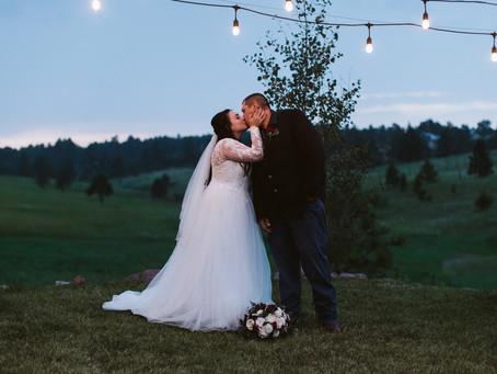 A 1C BARN WEDDING IN COLORADO SPRINGS