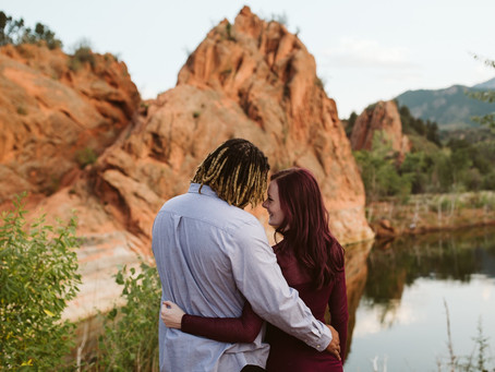 AN ENGAGEMENT SESSION IN COLORADO SPRINGS