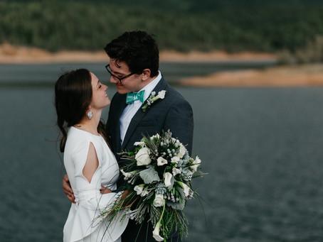 A CRYSTAL CREEK RESERVOIR WEDDING IN CASCADE