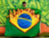 Art warning the World / Brazil - Otito2000® and his flag with the Klaus Guingand sentence in Brazilian Portuguese.