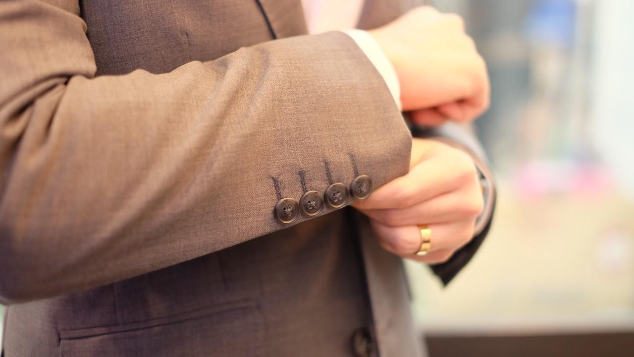 suit_191008_0126