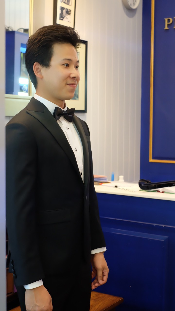 suit_191008_0072