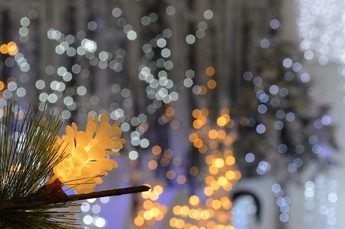 christmas-lights-1774186_1920.jpg