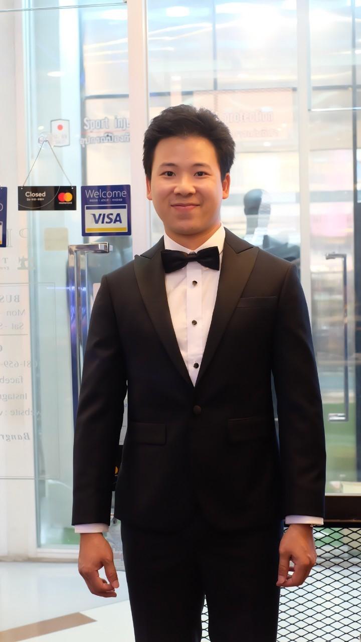 suit_191008_0041