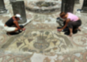 Conservation measures on the mosaic floor of the Baptistery