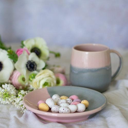 Cake Plate and Mug Set