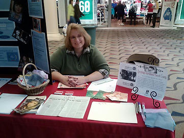 Tracey Educating Findlay Mall Shoppers on Human Trafficking and Soroptimist December 2012