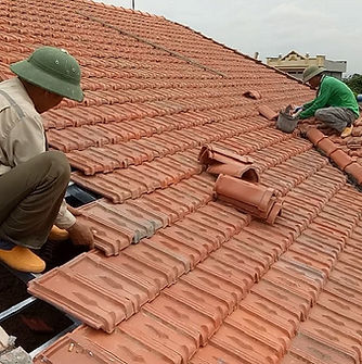 Roofing-A-House-Using-Terracotta-Tiles-H