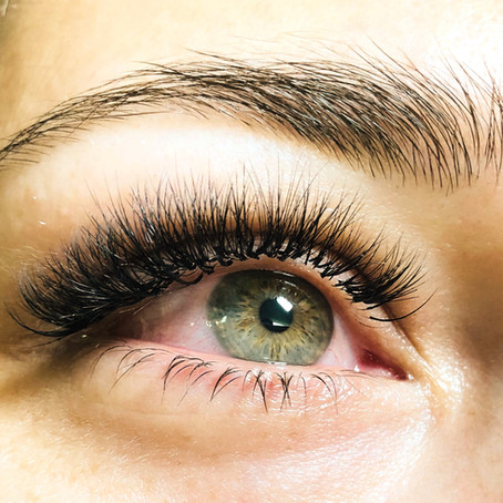 WHAT YOUR LASHES CRAVE