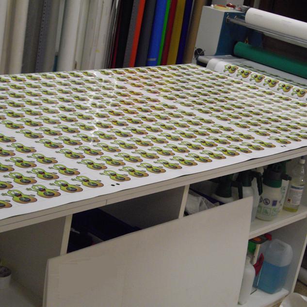 adhesivos pegatinas precio pegatina