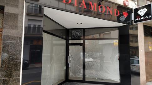 forrado fachada revestir fachada tienda
