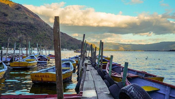 Lago de Amatitlan.jpg