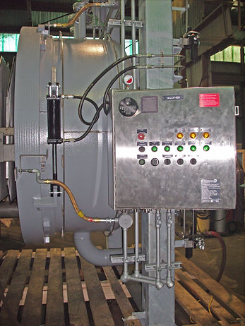 Automatic vertical plate pressure vessel filter for industrial applications