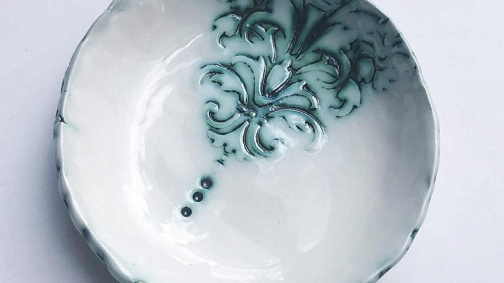 Small motif bowl