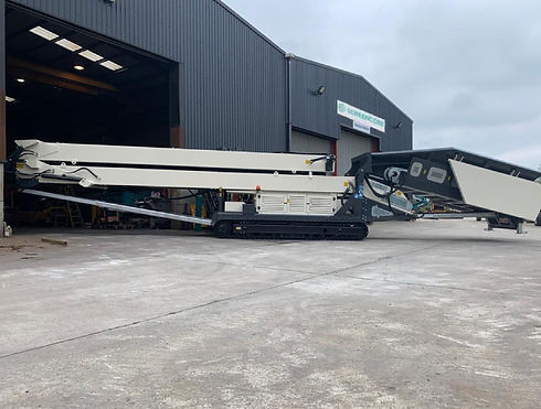 Stackers Feeder 470LL Terex Colours.jpg