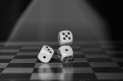 roll-the-dice-1502706__340