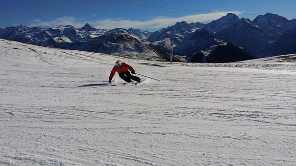 ski-1075456__340