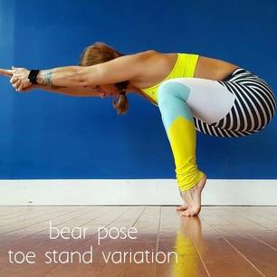 Toe Stand Bear Squat