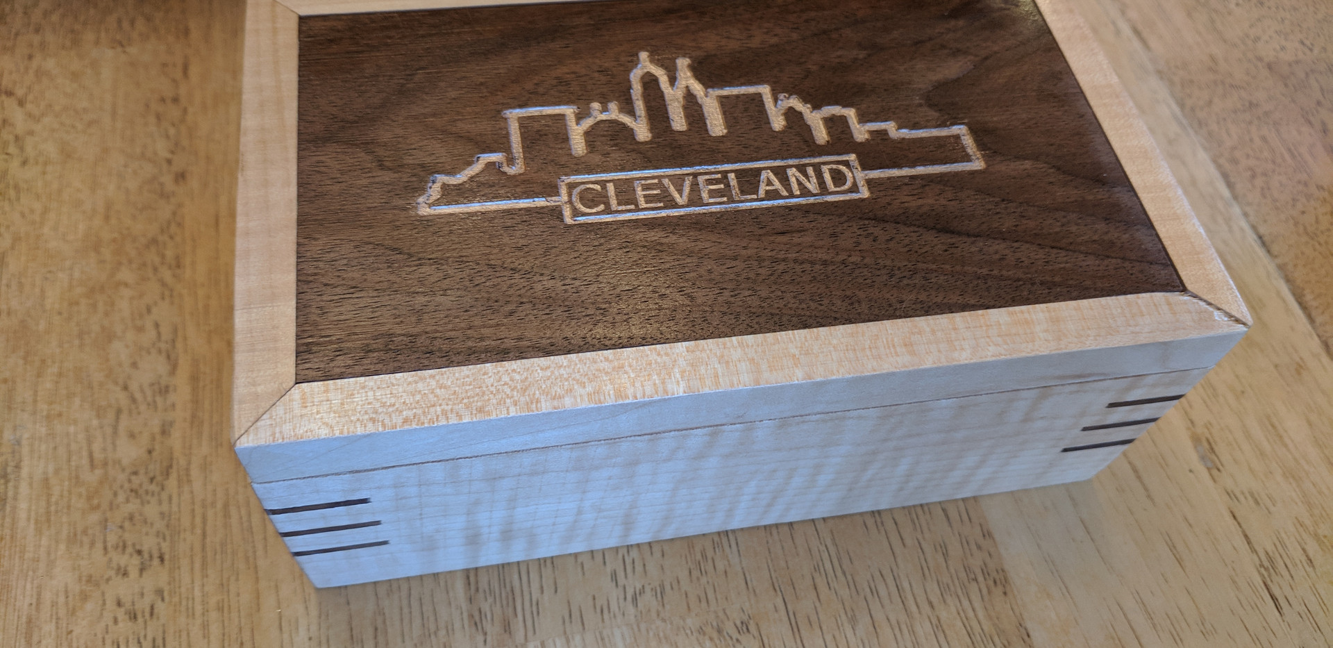 CLE Lidded Box