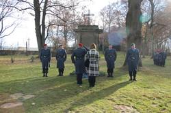 Gemeinsame Kranzniederlegung am Ehrenmal für die Deutschen