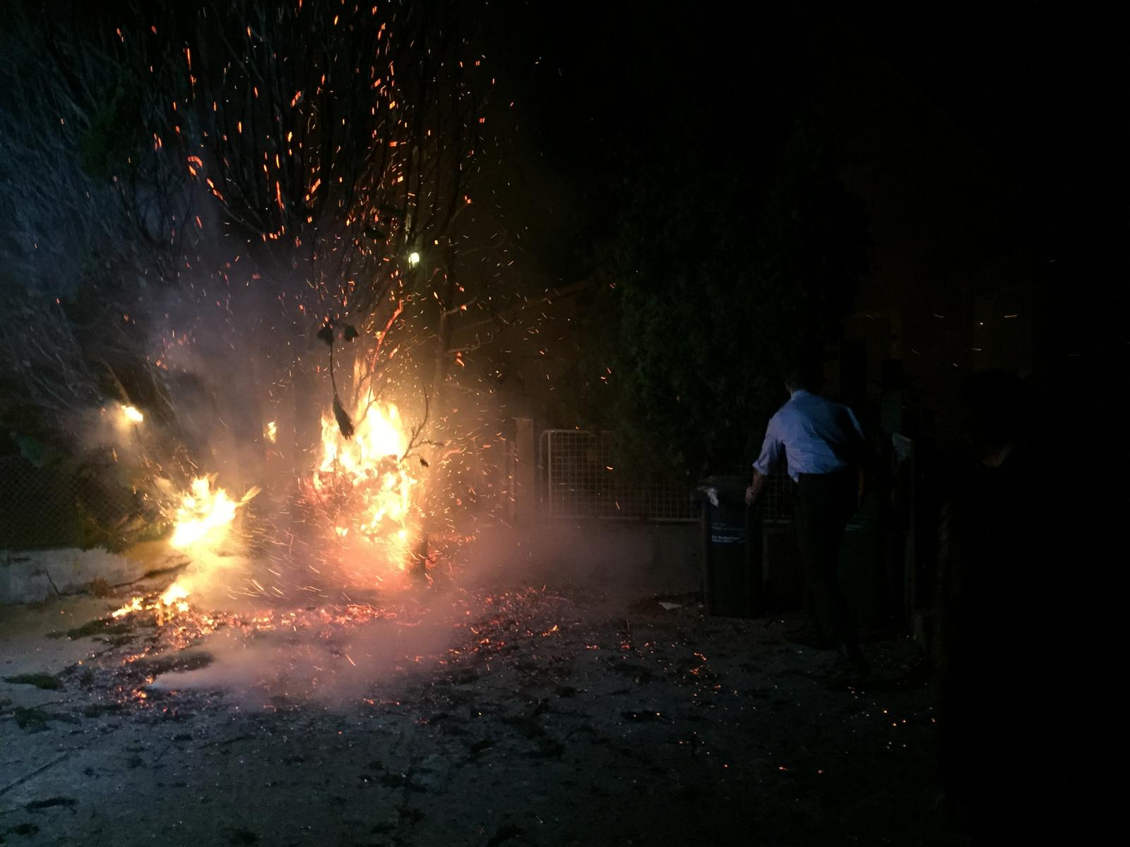 Brandbekämpfung in der Nachbarschaft