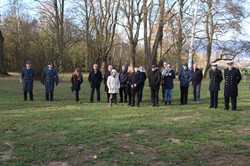 Gäste auf dem Russischen Friedhof