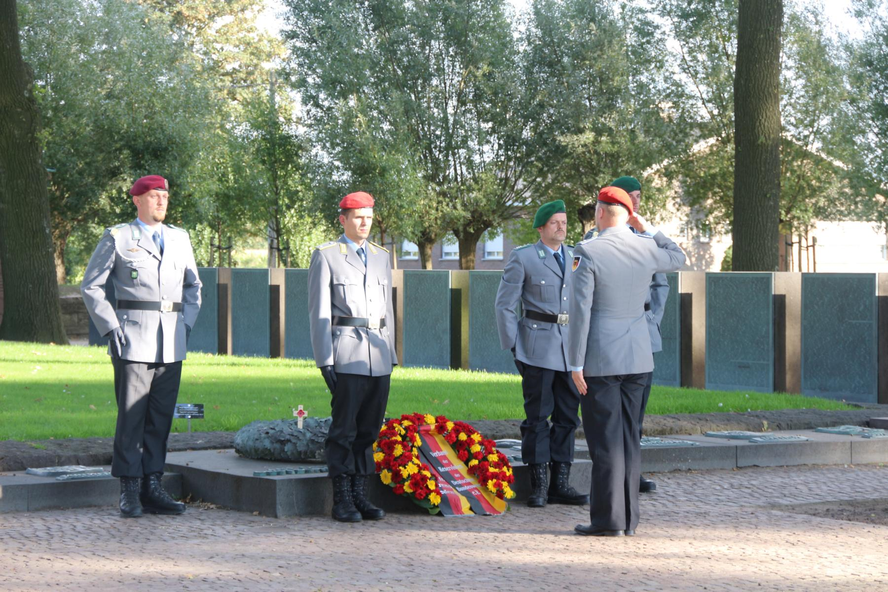 K1600_IMGDeutscher Soldatenfriedhof Langemark_8180