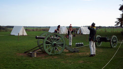 Historische Vorführung napoleonischer Artillerie - im scharfen Schuss