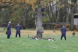 Ehrenposten auf dem Russischen Friedhof in NIEDERZWEHREN