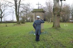 Ehrenbezeugung an der Deutschen Gedenkstele