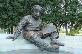 アメリカ ワシントンDC アルバート・アインシュタイン記念碑