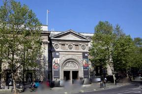 イギリス ロンドン ナショナル・ポートレート・ギャラリー:見どころ10選!基本情報・見どころ・アクセス・お土産・カフェまで徹底ナビ!